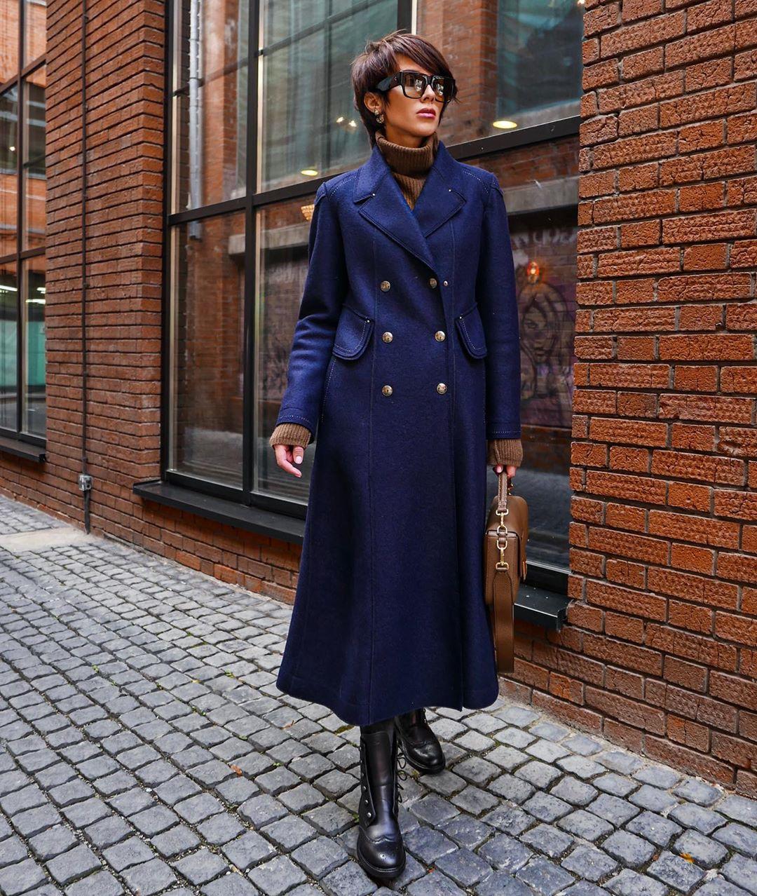осенний гардероб синее пальто