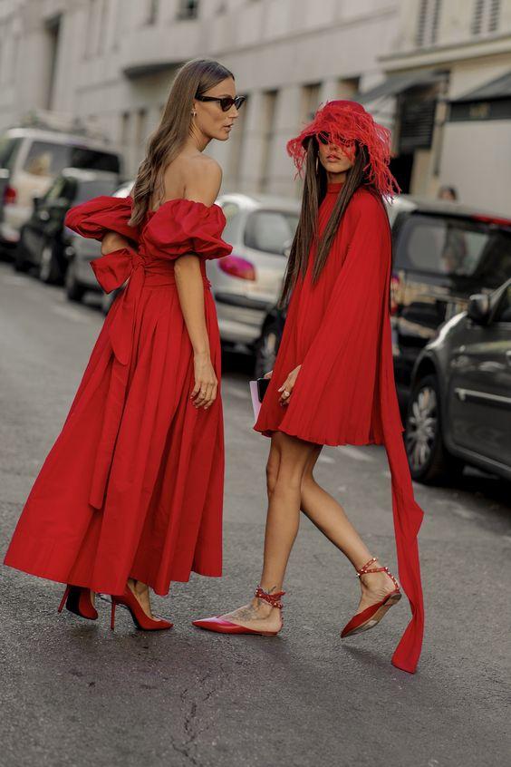 Как и с чем сочетать красный цвет в одежде
